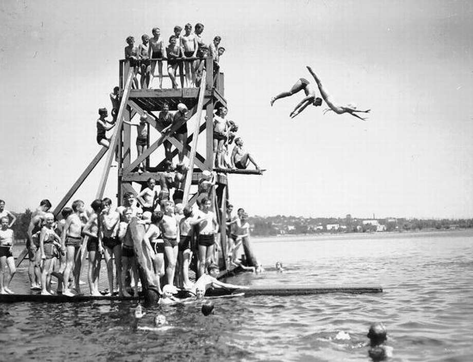 Divers at Green Lake, 1941. Photo: P-I File