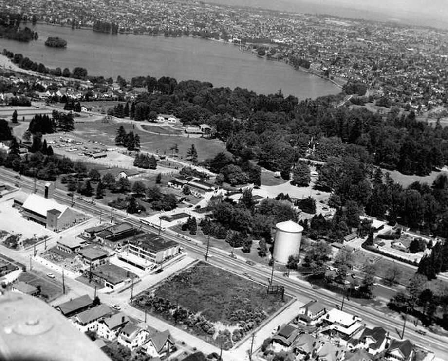 An aerial photo of Green Lake, August 1955. Photo: P-I File