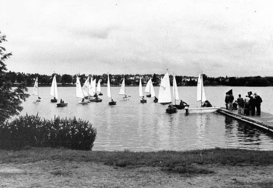 Seattle Park Department sailing classes had their graduation race on Greenlake, June 15, 1975. Photo: P-I File