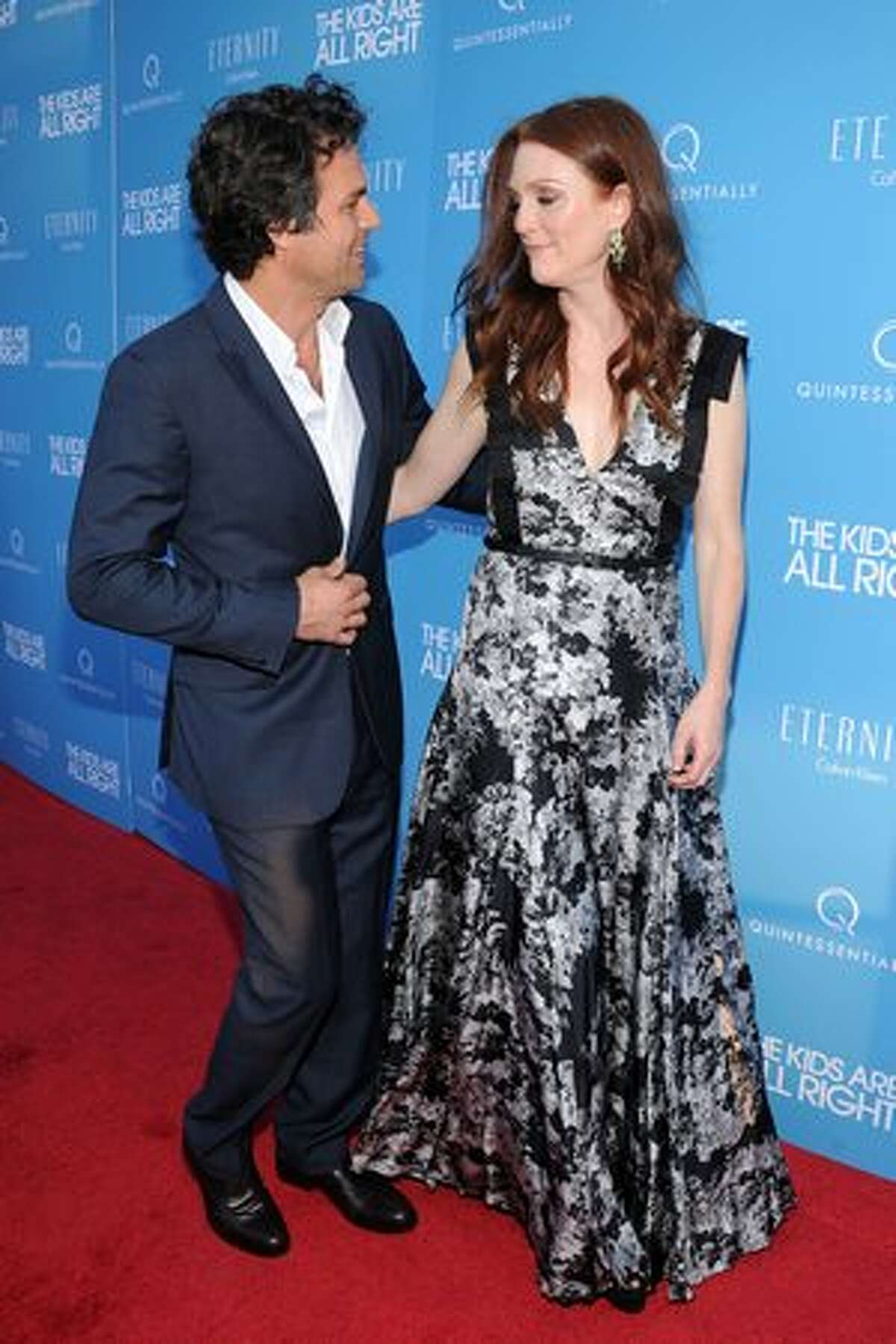 Actors Mark Ruffalo and Julianne Moore attend the premiere of the