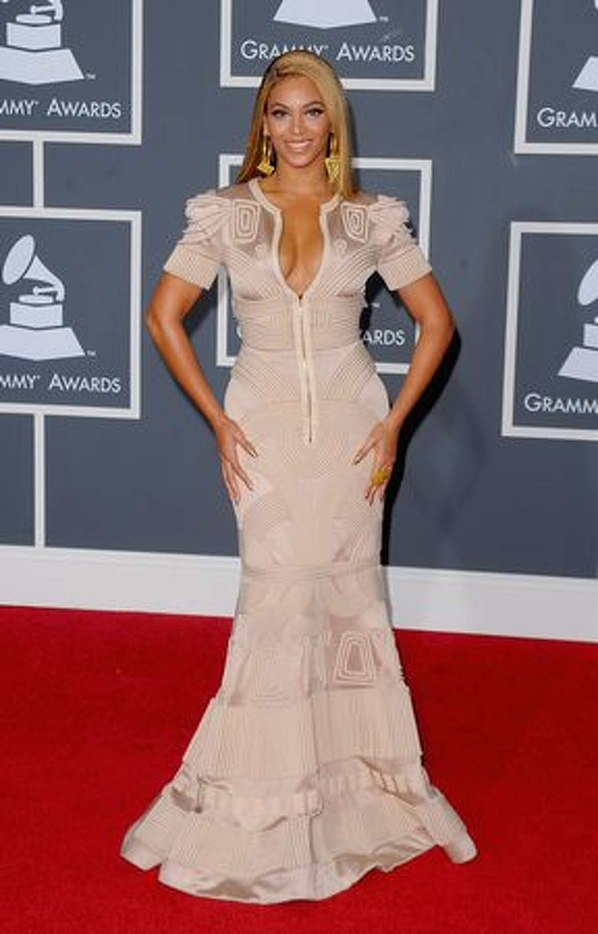 Singer Beyonce arrives at the 52nd annual Grammy Awards held at Staples Center in Los Angeles on Sunday, Jan. 31, 2010.