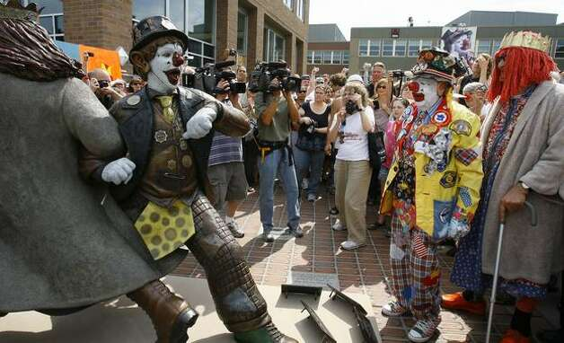 J.P. Patches and Gertrude unveiled the Fremont statue of their characters at the Solstice Plaza, Aug. 17, 2008. (Gilbert W. Arias/Seattlepi.com file) Photo: P-I File