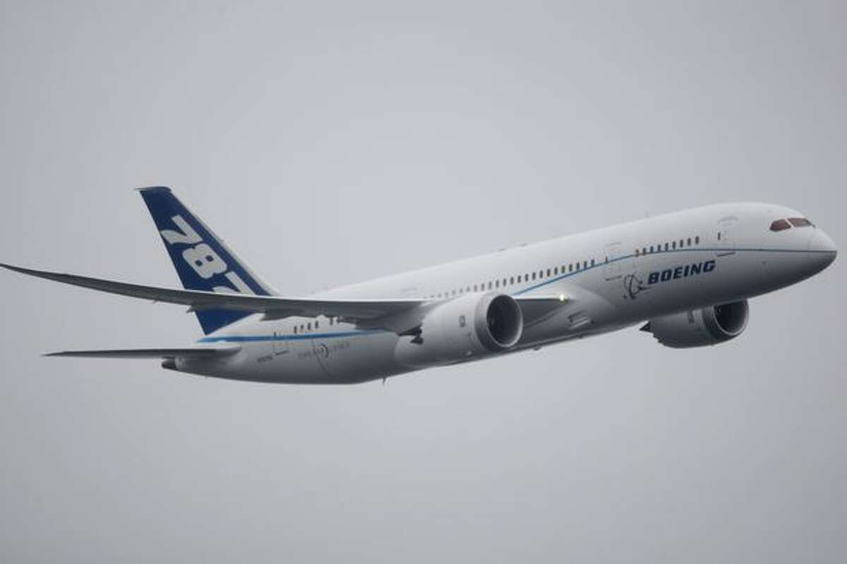 The new Boeing 787 Dreamliner does a fly-by during the air show at Seafair on Sunday, August 8, 2010.