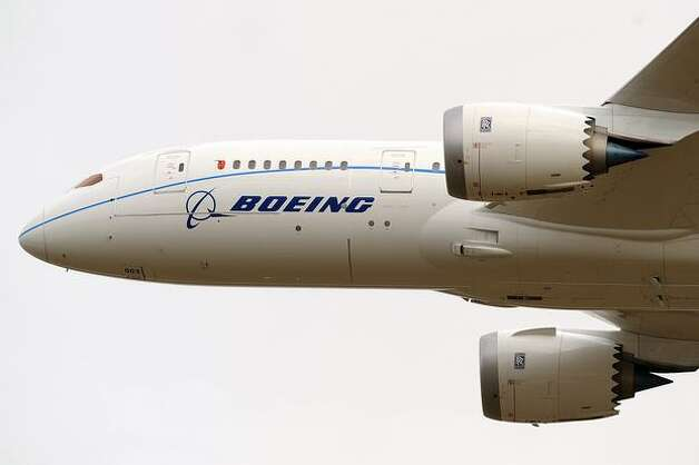 Boeing's third 787 Dreamliner does a flyby at the 2010 Farnborough International Airshow, in Farnborough, England. Photo: Getty Images