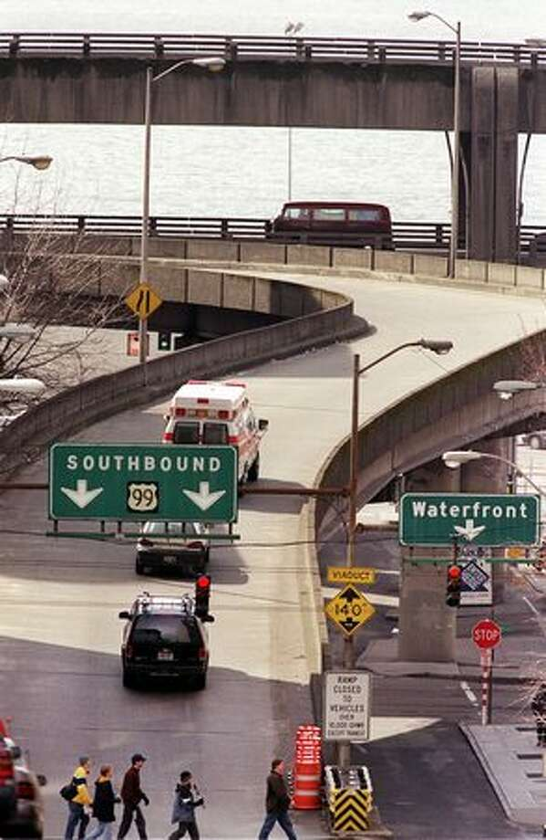 The Alaskan Way Viaduct as seen going west down Columbia Street, March 21, 2002. Photo: P-I File