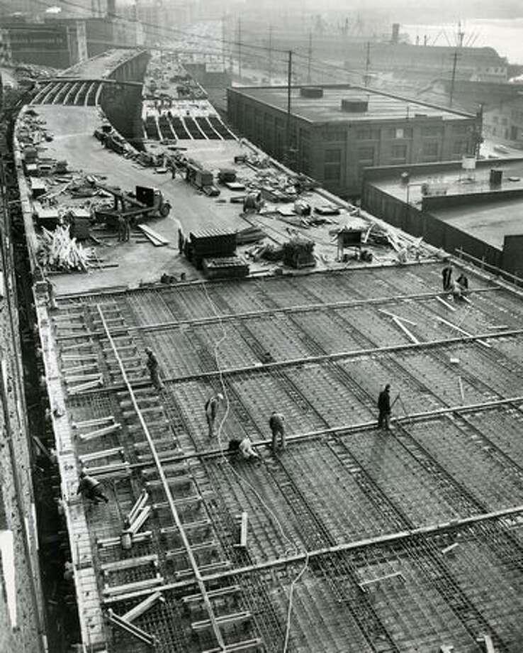 Construction of the Alaskan Way Viaduct, Jan. 28, 1951. Photo: P-I File