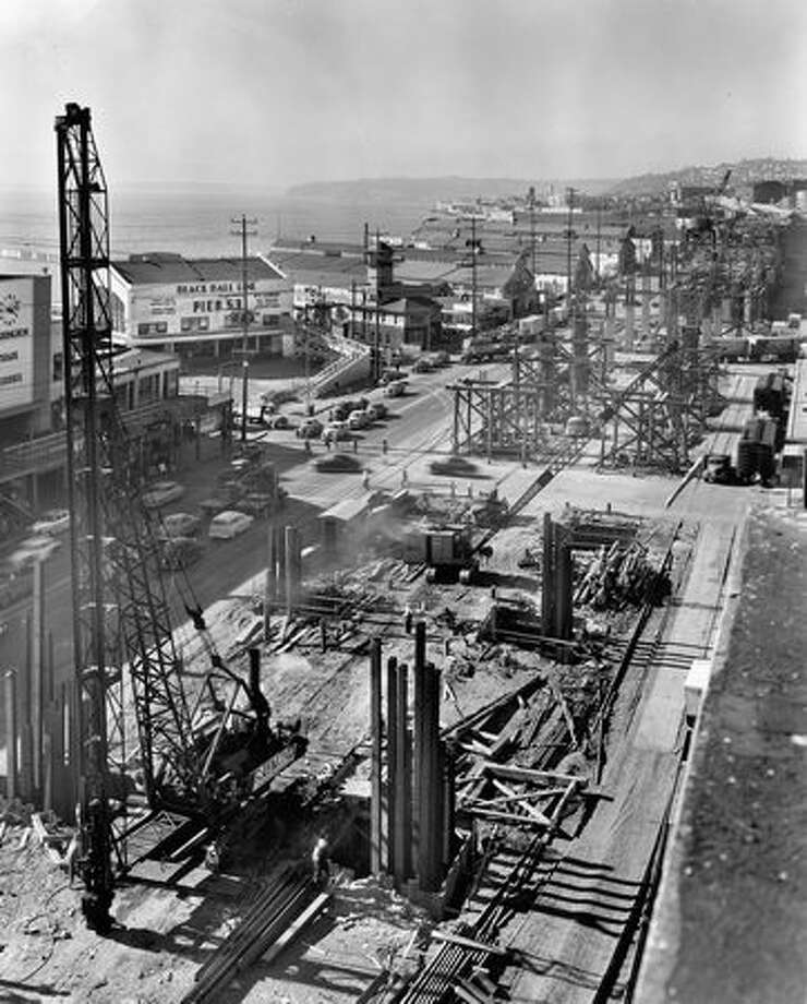 Alaskan Way Viaduct construction, Oct. 29, 1951. Photo: P-I File