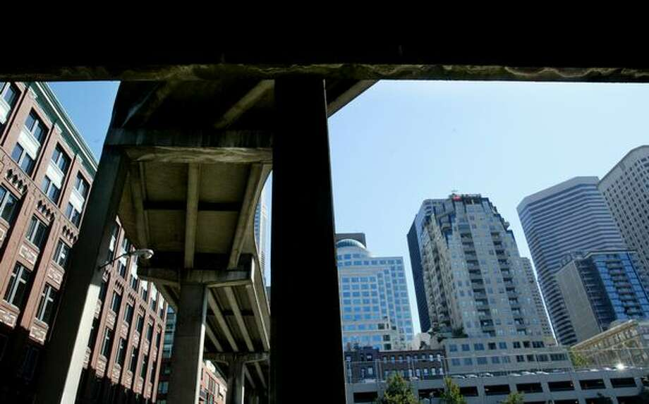 A view of the Seneca Street offramp of the Alaskan Way Viaduct, July 24, 2006. Photo: P-I File