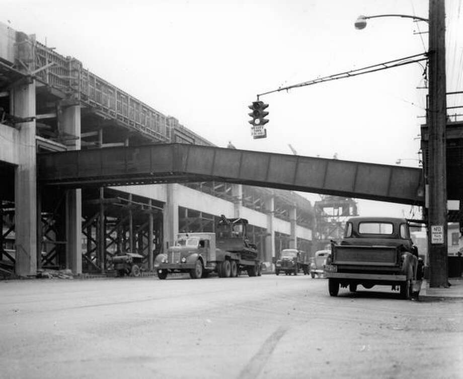 The Alaskan Way Viaduct, Feb. 29, 1952. Photo: P-I File