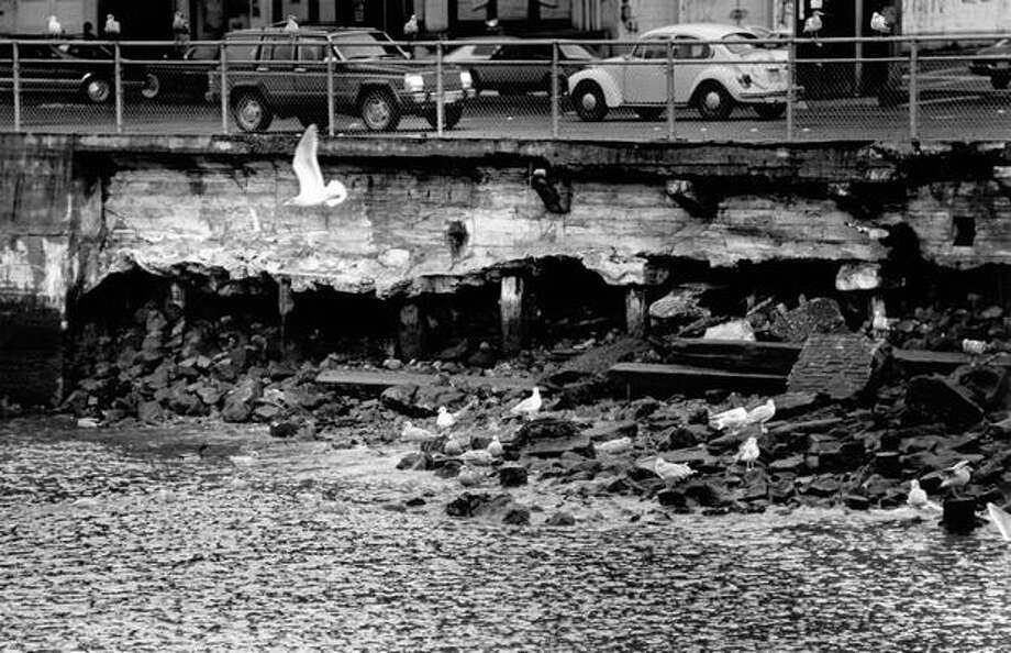 Seawall damage at Washington Street and Alaskan Way in Seattle, Jan. 5, 1986. Photo: P-I File