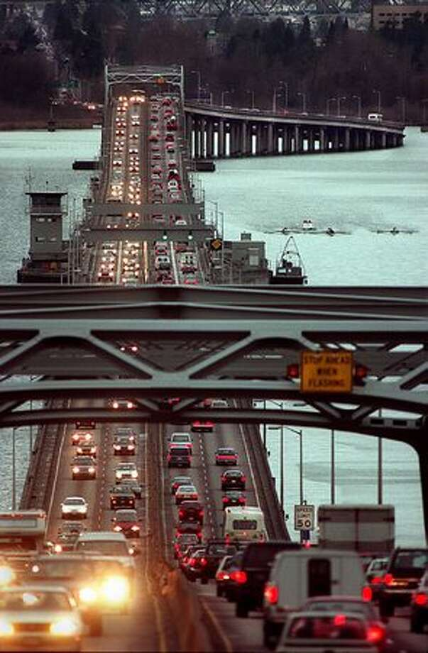 The 520 highway bridge over at 4:15 pm., Feb. 16, 1997. Photo: P-I File