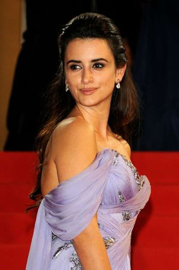 "Spanish actress Penelope Cruz leaves after the screening of the movie ""Los Abrazos Rotos."" Photo: Getty Images"