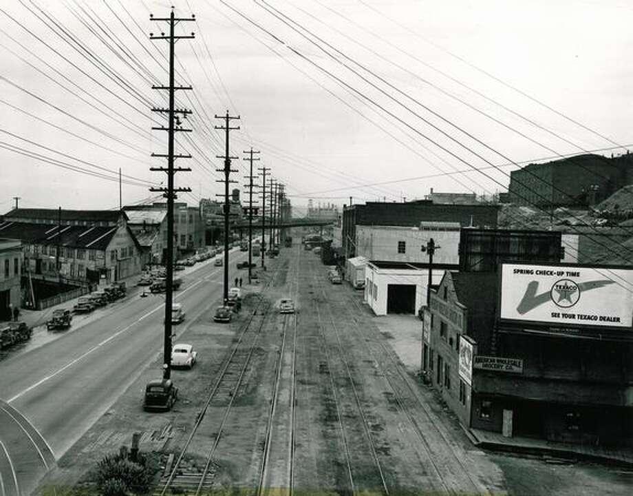 Alaskan Way, Aug. 19, 1948. Photo: P-I File