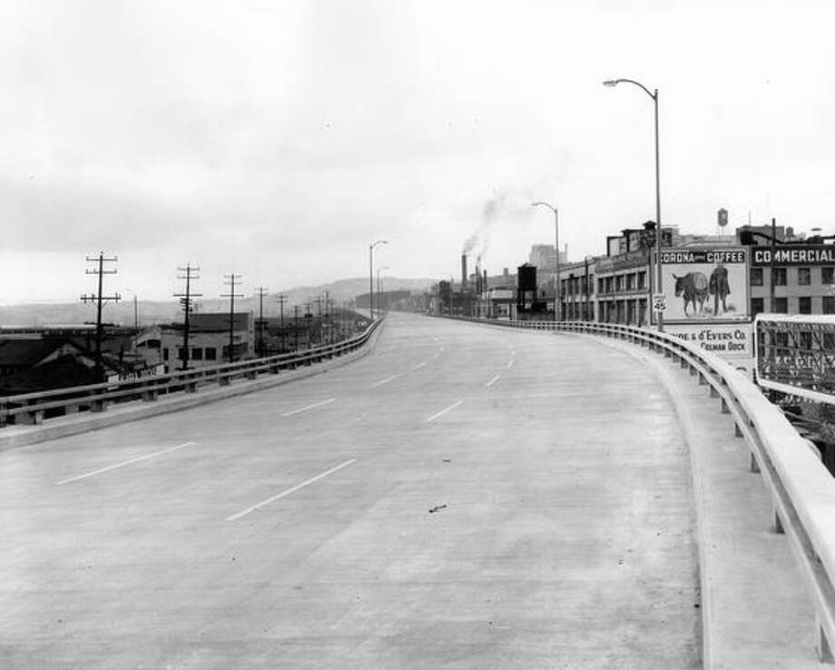 Looking north on the Alaskan Way Viaduct, March 11, 1953. Photo: P-I File