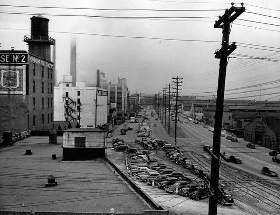 Alaskan Way, Aug. 19, 1948, less than five years before completion of the viaduct. Photo: P-I File