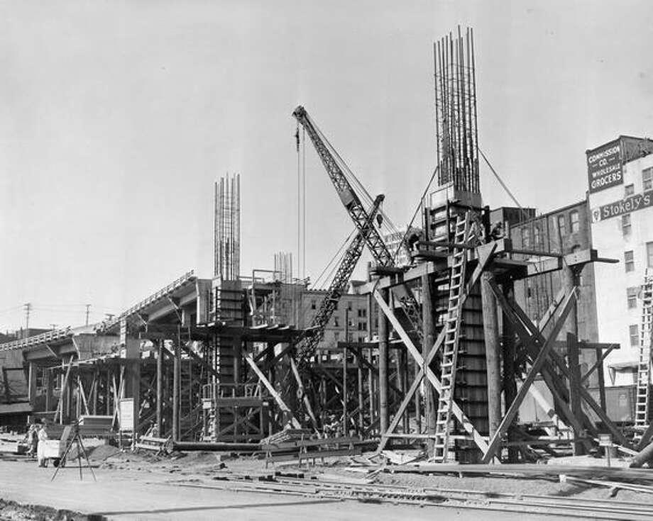 Alaskan Way Viaduct construction, June 25, 1951. Photo: P-I File