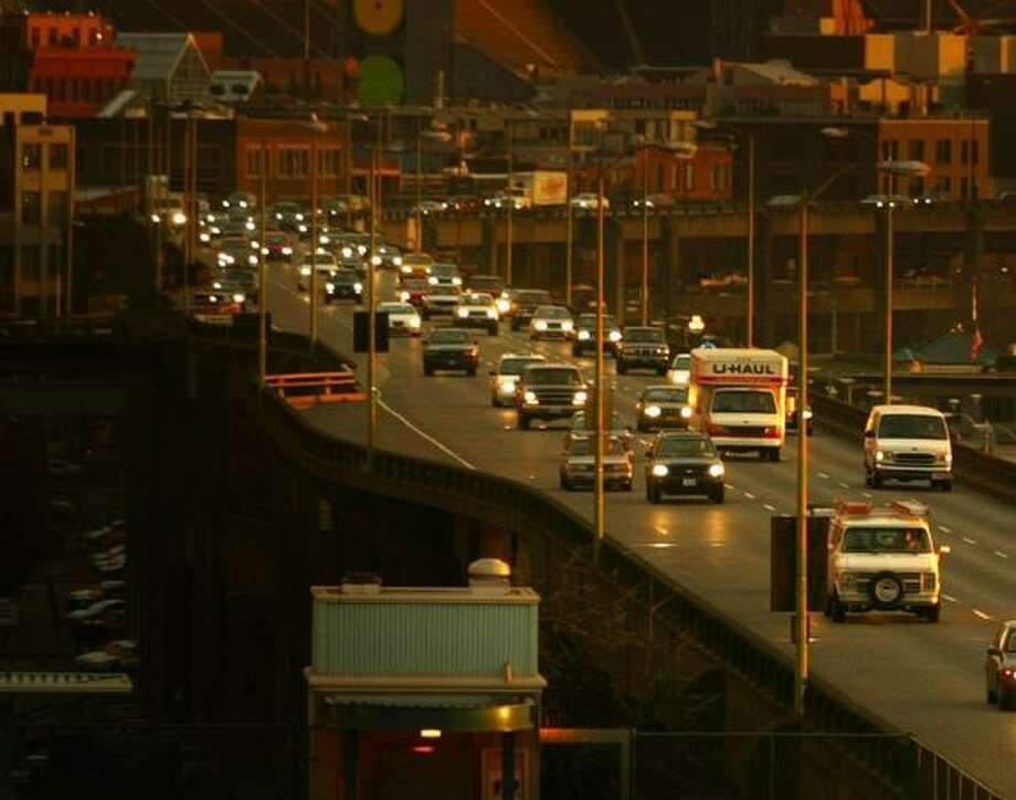 Traffic going north on the Alaskan Way Viaduct, Jan. 12, 2005. Photo: P-I File