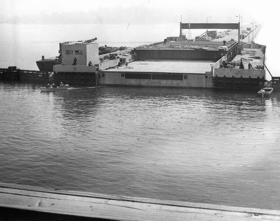 Construction of the 520 bridge, August 1963. Photo: P-I File