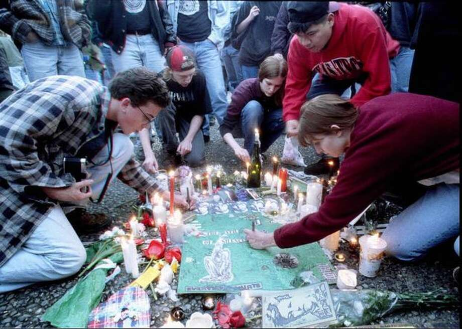 The Seattle Center memorial for Kurt Cobain, April 10, 1994. Photo: P-I File