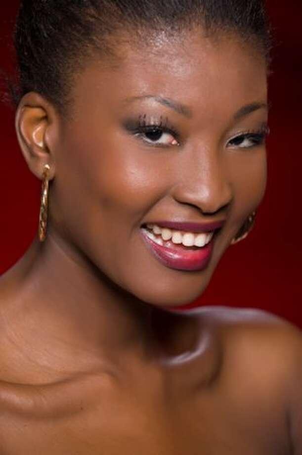 Jurema Ferraz, Miss Angola 2010. Photo: Miss Universe L.P., LLLP