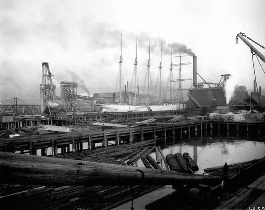 Pacific Coast Coal Company bunkers. Date unknown. Photo: P-I File
