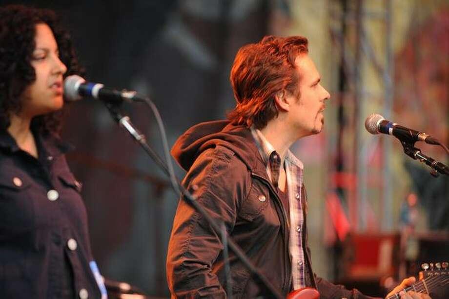 Bob Schneider performs on the Starbucks Stage at Bumbershoot. Photo: Elliot Suhr, Seattlepi.com