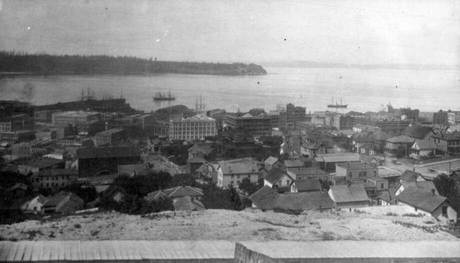 A waterfront view in Seattle, 1925. Photo: P-I File