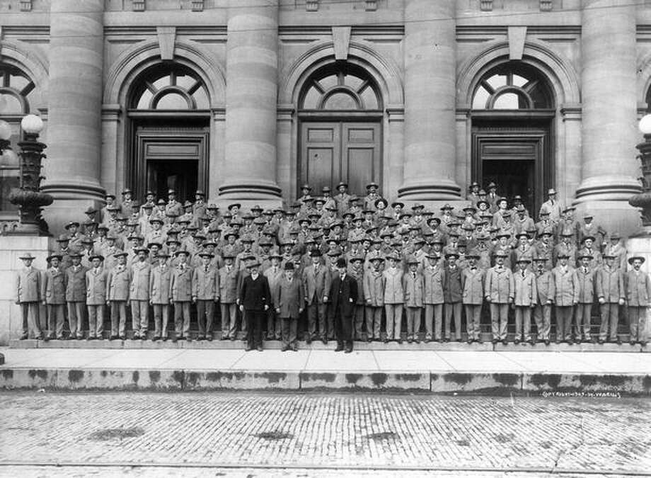 The 170 letter carriers in Seattle, May 16, 1909. Photo: P-I File