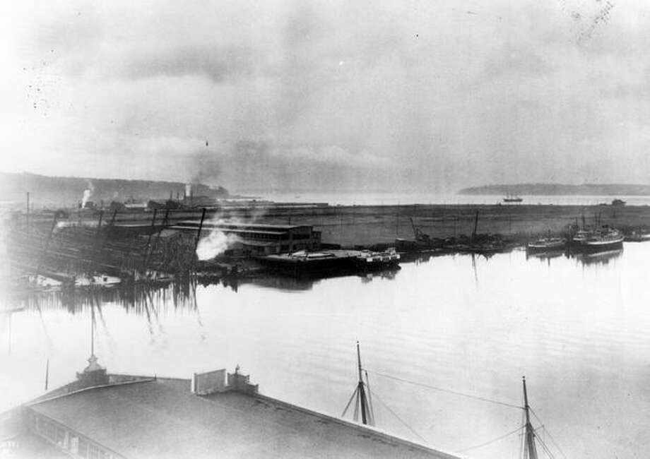 A Harbor Island and shipyard panorama, 1917. Photo: P-I File