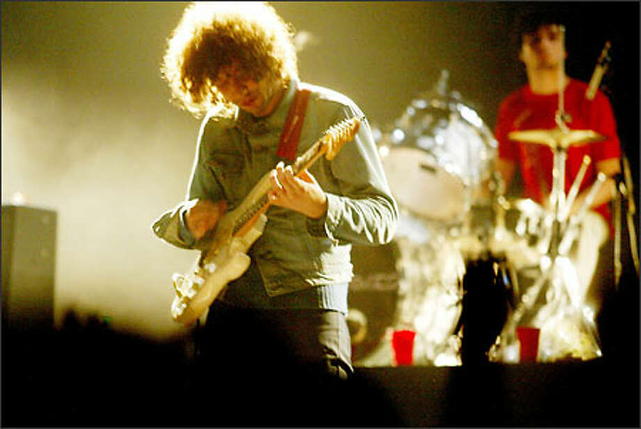 The Strokes guitarist Albert Hammond Jr. and drummer Fabrizio Moretti. Photo: Paul Joseph Brown, Seattle Post-Intelligencer