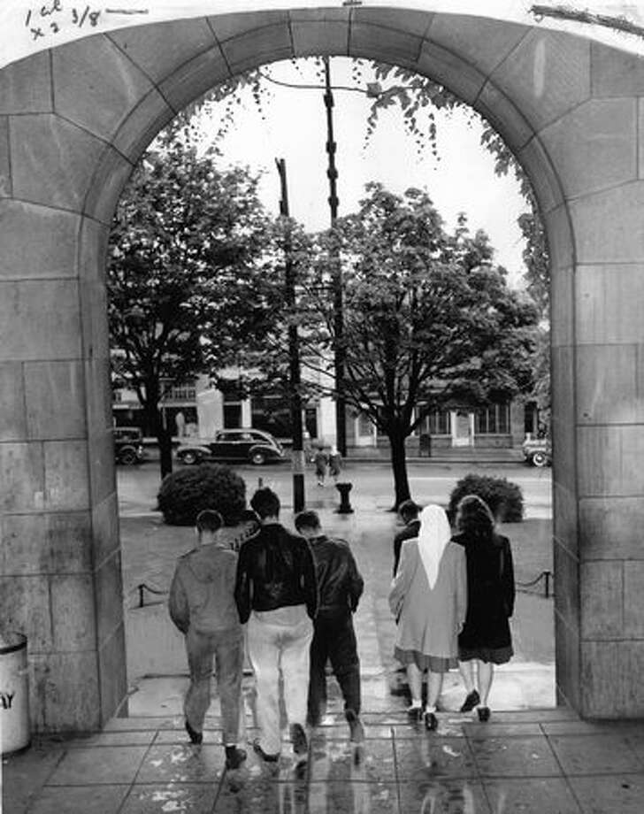 The June 1946 photo caption read: Going down the old high school's main steps for the last time are these Broadway students. Next fall they'll go to other schools in the city, while an estimated 1,000 veterans take over Broadway. Built in 1902, it is one of the oldest schools in the city. Photo: P-I File