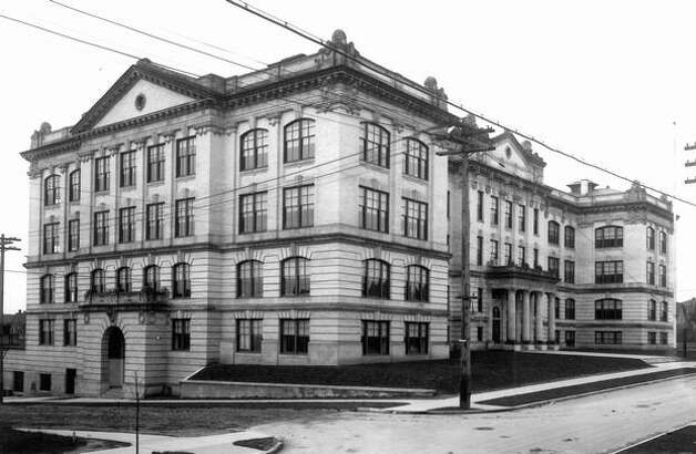 An early photo of Queen Anne High School. The exact date is unknown. Photo: P-I File