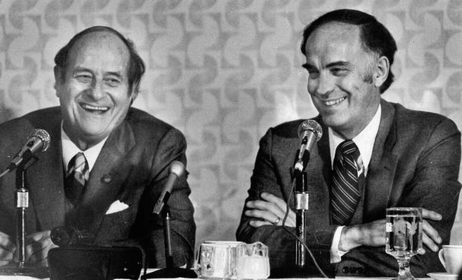 Former governors Al Rosellini and Dan Evans share a platform, June 5, 1980. Photo: P-I File