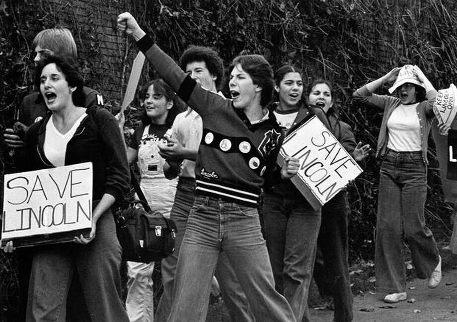 Lincoln High students protest the proposed closure of their high school outside district headquarters, November 1980. Photo: P-I File