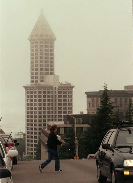 A June 1999 photo of the Smith Tower in Seattle's early morning fog.