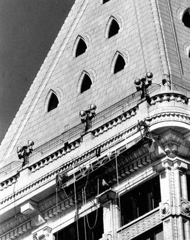 The Smith Tower roof, Oct. 7, 1976. Photo: P-I File / P-I File