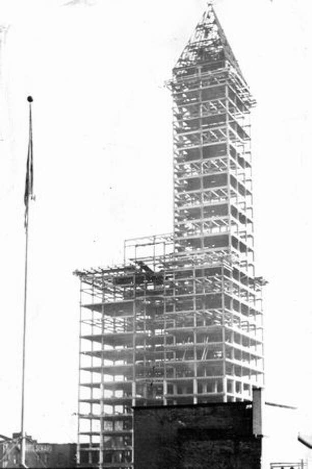 The Smith Tower under construction. Exact date unknown. Photo: P-I File / P-I File