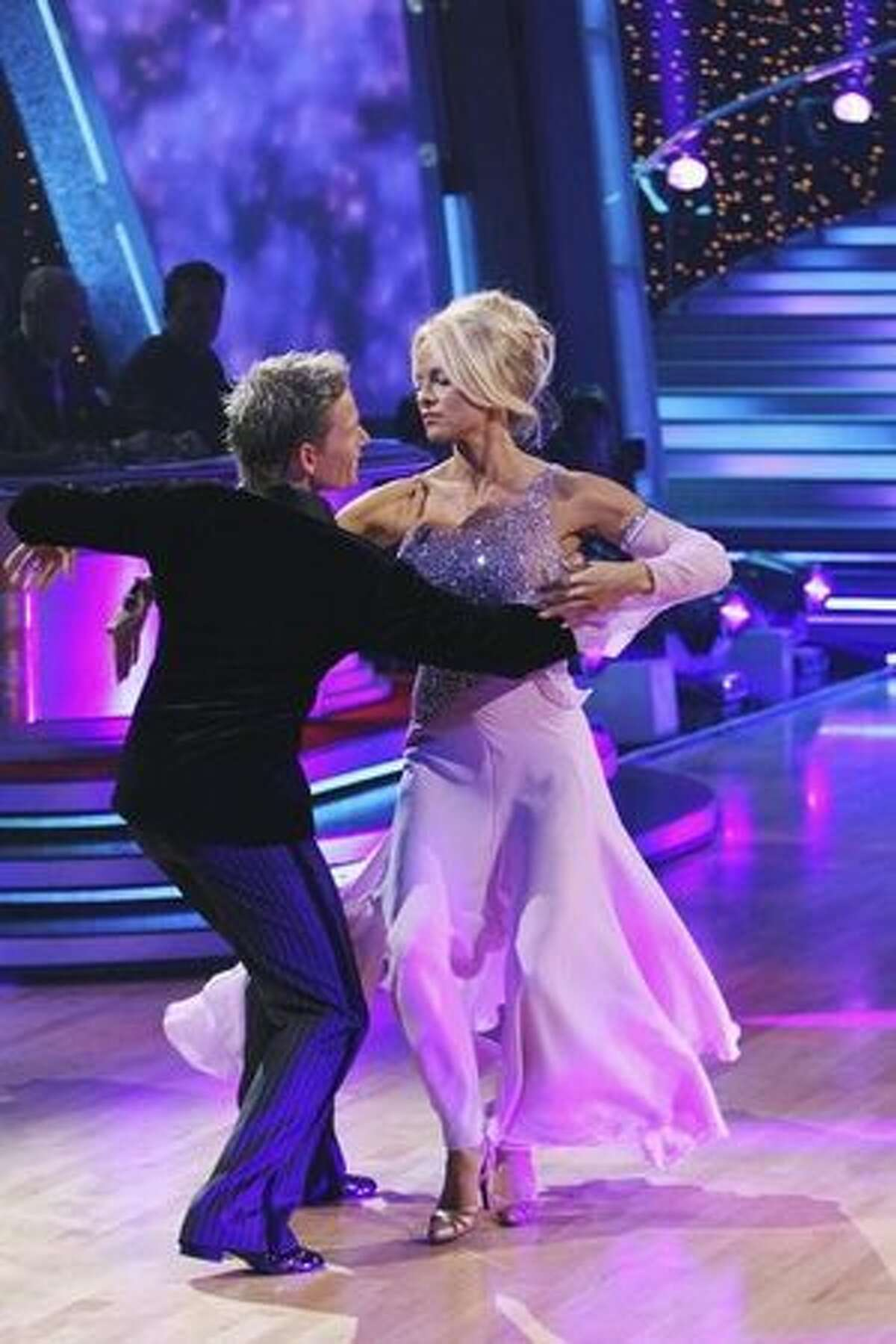 Next: Pamela Anderson and Damian Whitewood, performing a waltz.