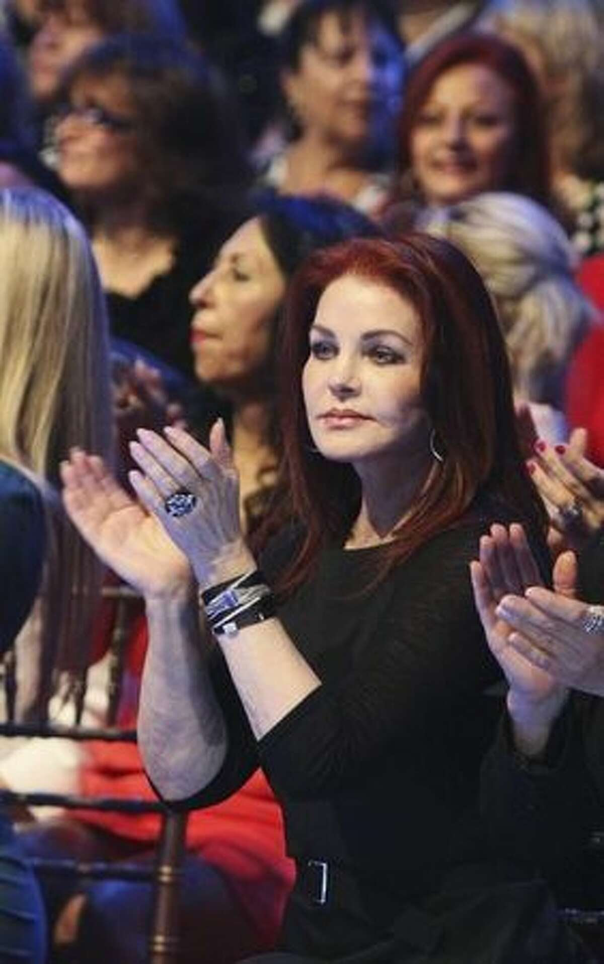 Another former contestant, Priscilla Presley, is in the audience.