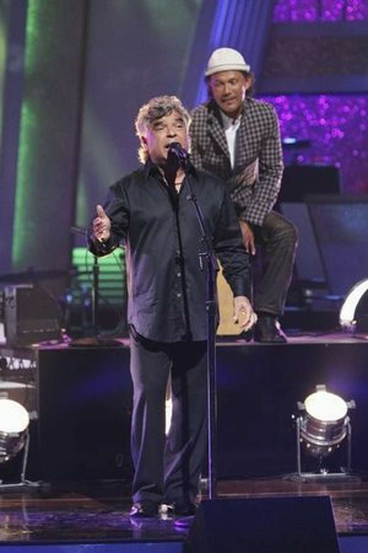 World-famous band Gipsy Kings performed their flamenco-flavored rendition of
