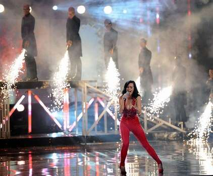Sinbger Katy Perry performs onstage during the 2010 American Music Awards held at Nokia Theatre L.A. Live  in Los Angeles. Photo: Getty Images