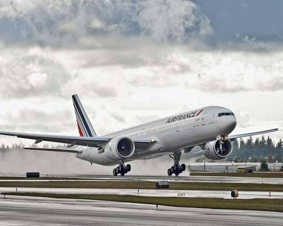 Air France's 200th Boeing jet, a 777-300ER, takes off from Paine Field, in Everett, Wash. (Boeing, Air France)