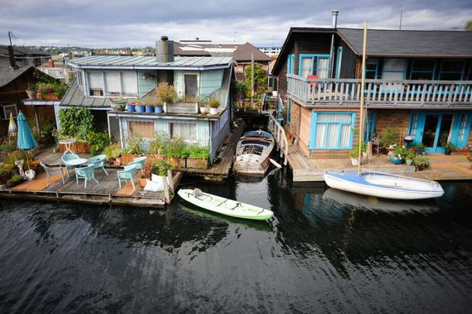 Houseboats are shown during the annual floating homes tour. Photo: Elliot Suhr, Seattlepi.com