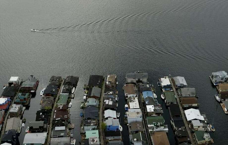 Houseboats along the east shore of Lake Union photographed in 2007. (Joshua Trujillo / P-I) Photo: P-I File