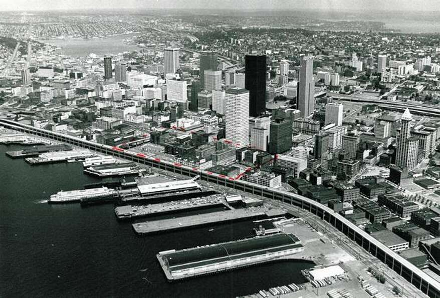 Downtown Seattle in 1976. (Cary Tolman/P-I)