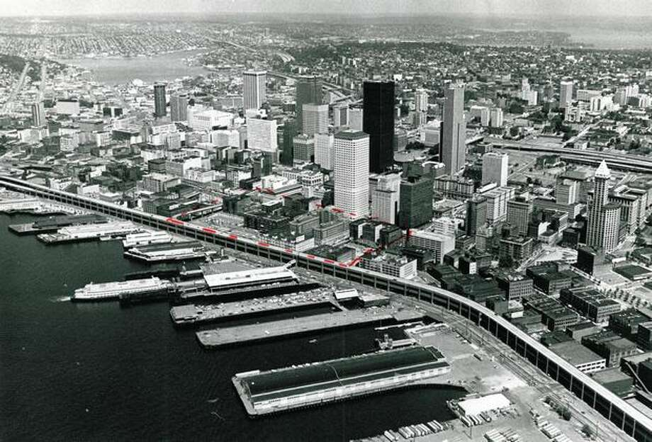 Downtown Seattle in 1976. (Cary Tolman/P-I) Photo: P-I File
