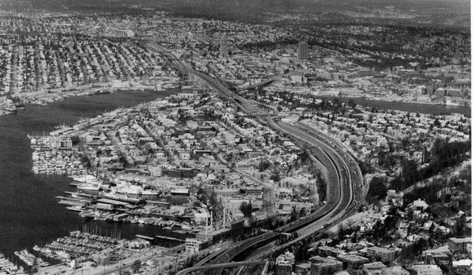 An aerial view looking north as traffic heads out of Seattle in December 1990. (Grant M. Haller/P-I) Photo: P-I File