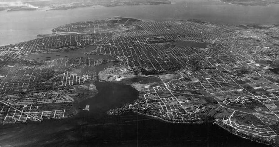 The ship canal from Lake Washington to Puget Sound in 1945. Photo: P-I File