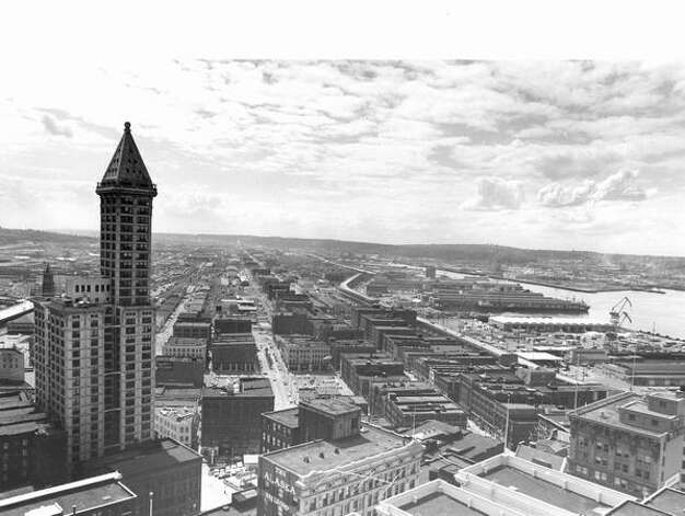 A photo of Seattle and the Smith Tower in 1972. Photo: P-I File