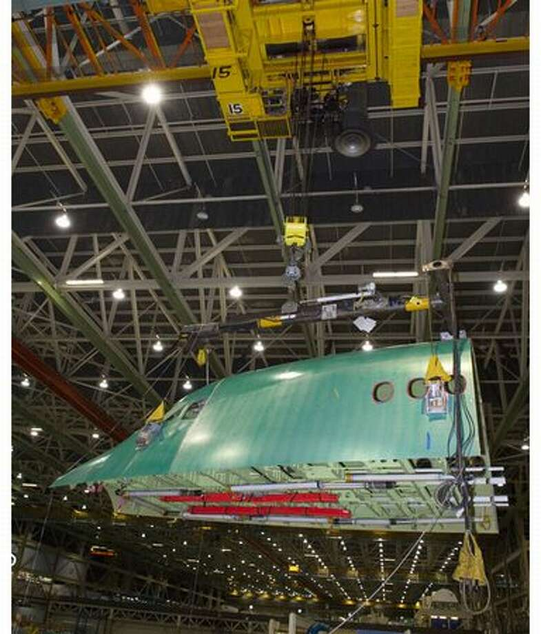 Boeing starts assembly of the first 747-8 Intercontinental fuselage section at its wide-body plant in Everett. Photo: The Boeing Company